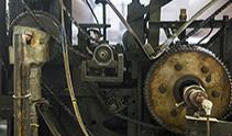 工場内 大きな歯車