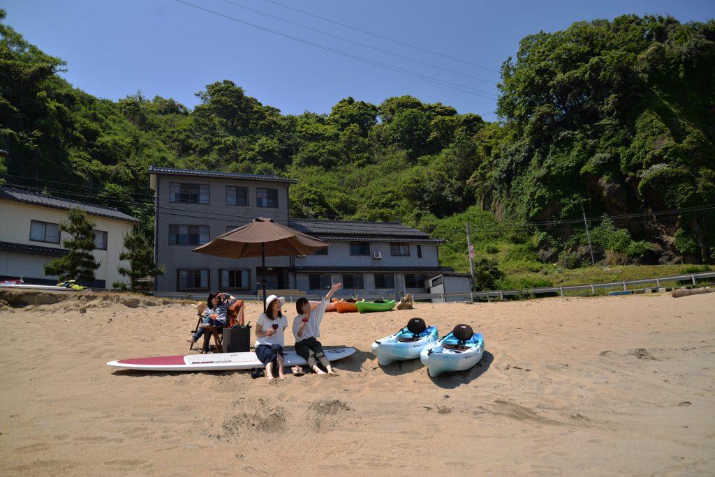 海の音の正面にある砂浜