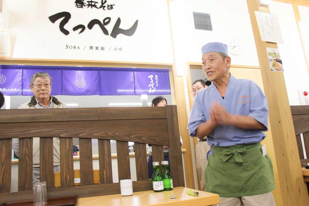 春来そば生産組合長の中村さん そば打ち名人福井さん